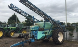 Berthoud Racer 32, 30m trailed sprayer