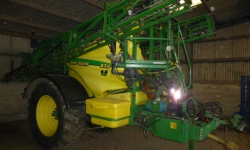 Used John Deere 832 24m trailed sprayer