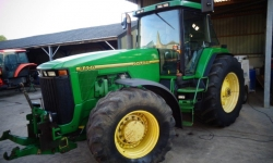 John Deere 8400